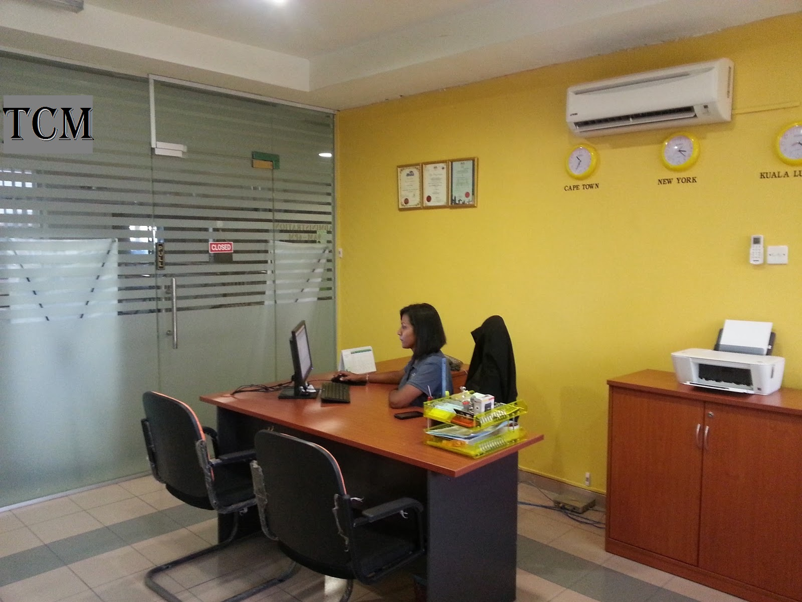 Travel centre maldives guide to vacations to the perfect for Office design guide