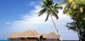 Why is Maldives a famous holiday destination?