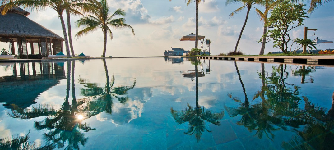 Jumeirah Vittaveli is offering summer holiday discounts